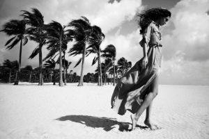 8-bw-beach-scene